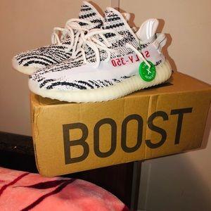 Yeezy Boost 350 v2 ' Zebra '